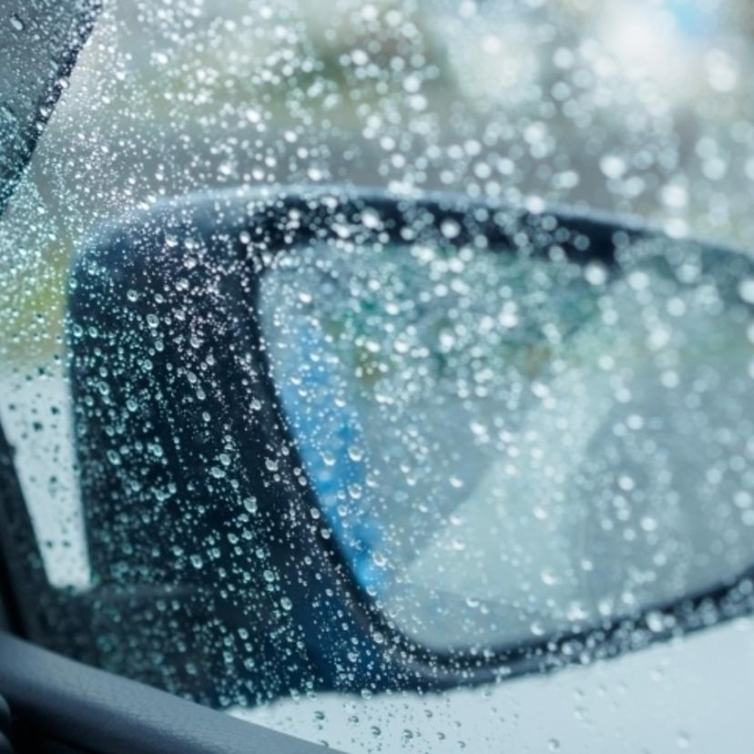 ガラス コーティング 雨 染み